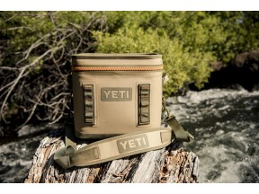 YETI Hopper Flip 12 - Field Tan